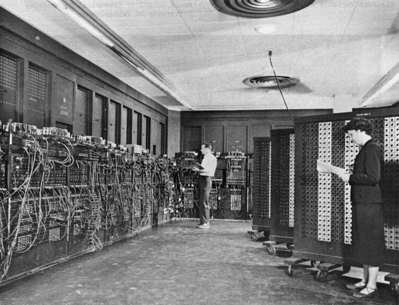 ENIAC (Electronic Numerical Integrator and Computer )